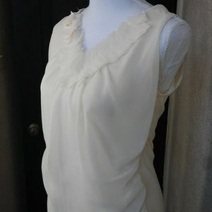 NY&CO Chiffon Sleevless Blouse with Neck Detail